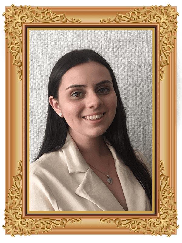 Deanna Szczygiel - Graphic Designer